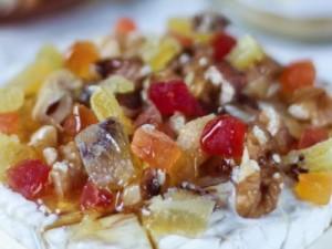 Camembert rôti au four au miel et aux fruits secs…