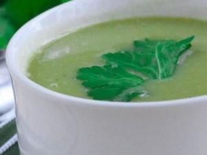 Soupe au céleri vert