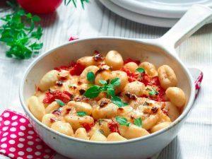 Gratin de gnocchis tomate et basilic