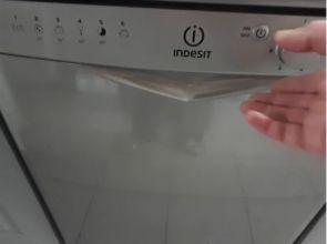 Comment nettoyer et entretenir mon lave vaisselle ( en vidéo )